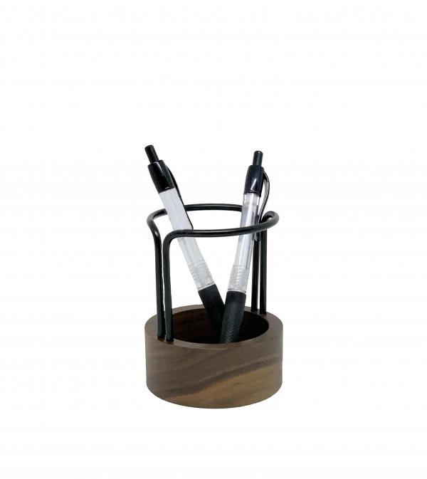 pen-up-walnut-black-dotaarhus
