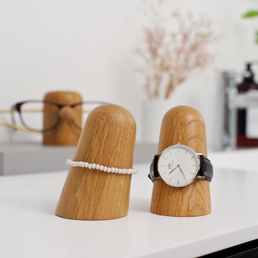 Time-off oak - dot aarhus - watch holder