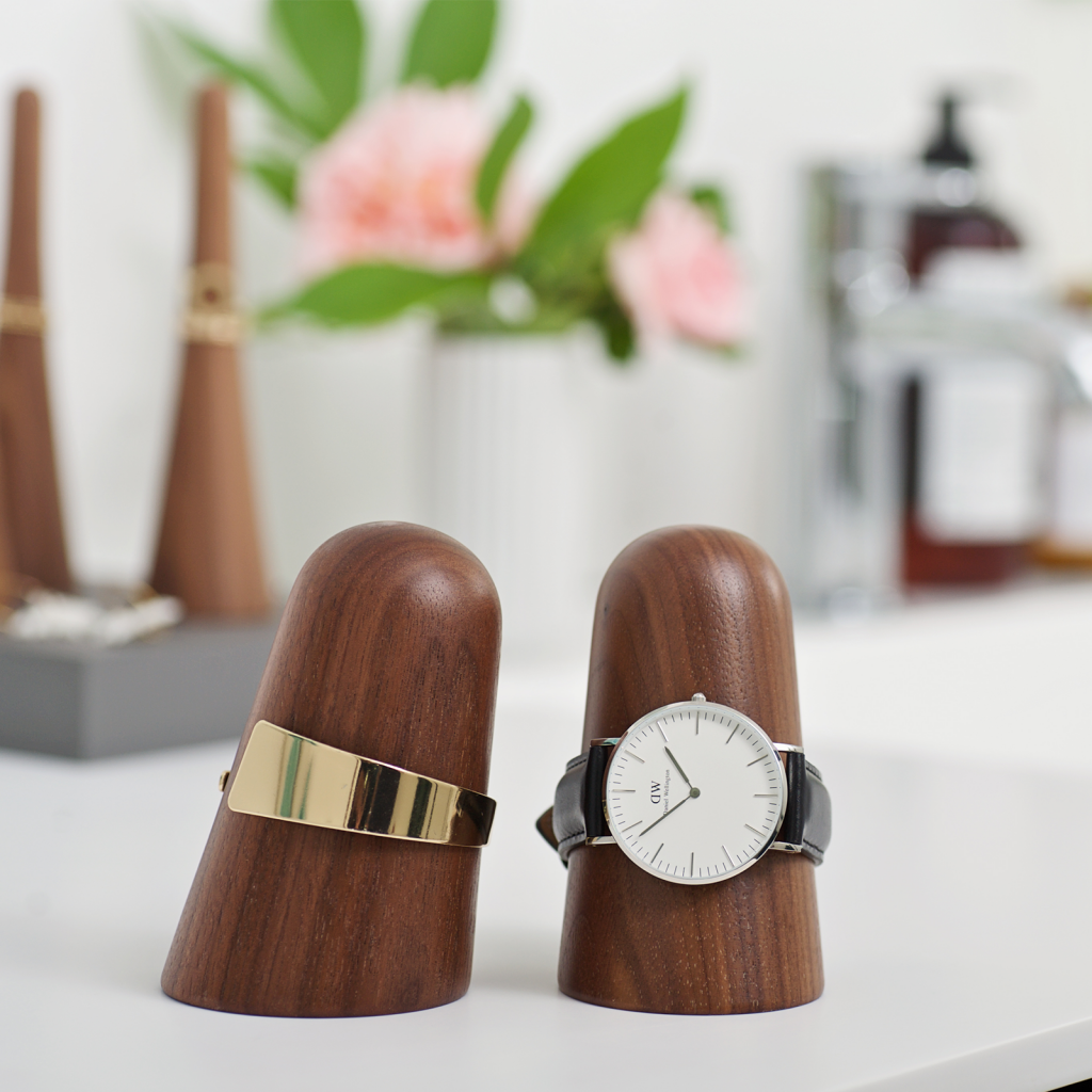 time-off walnut - watch holder - dot aarhus - jewelery holder