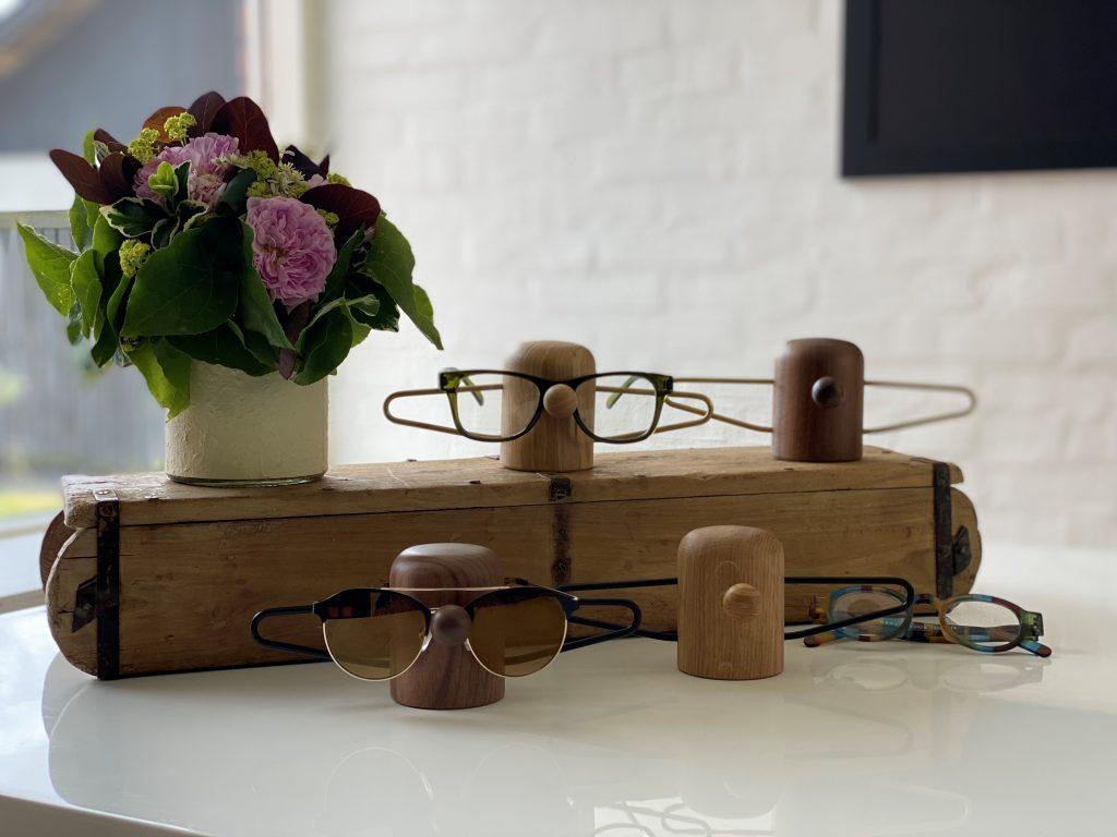 Nosey glasses - dot aarhus - vinduesdekorationer