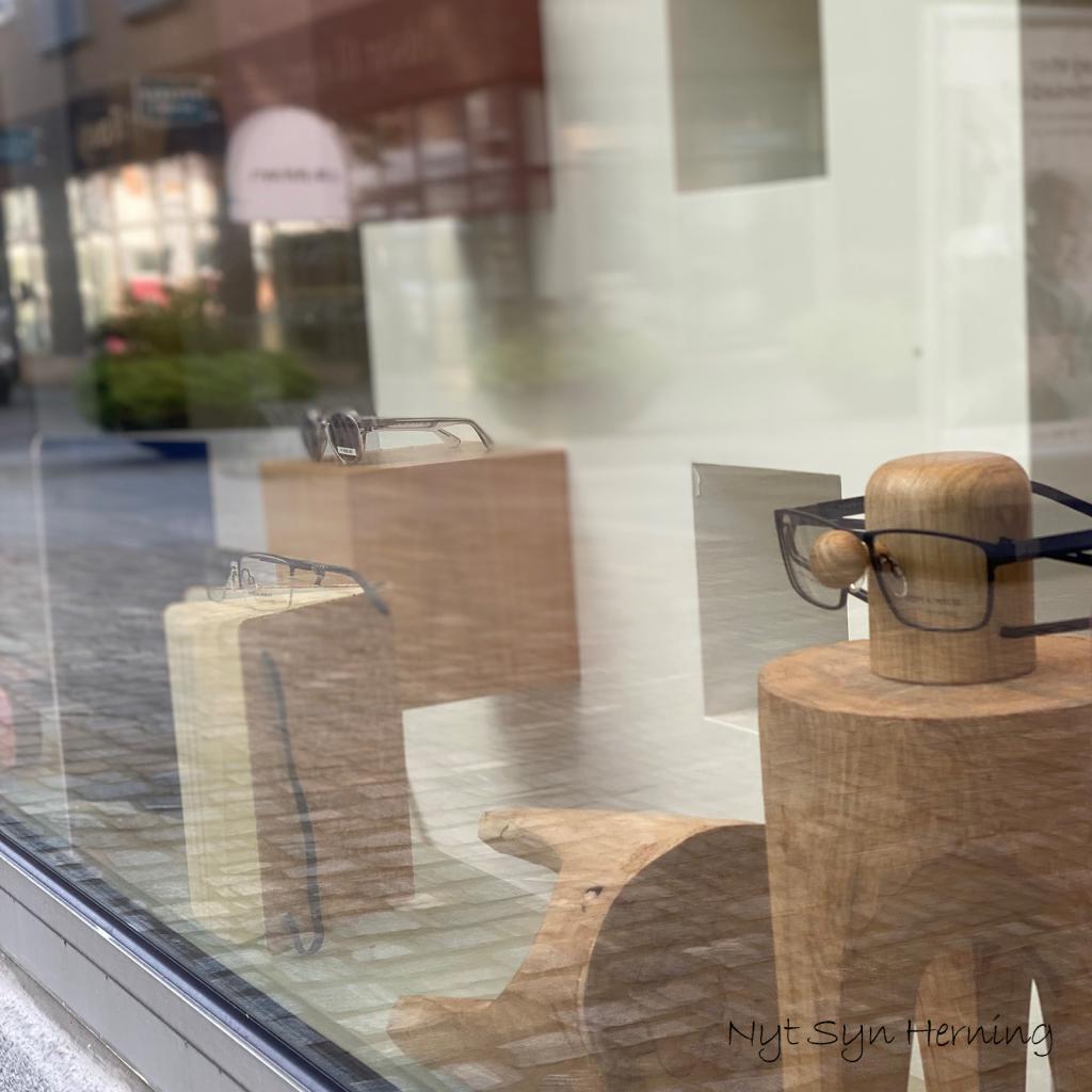 Nyt syn herning - indretning - dansk design - nosey brilleholder - dot aarhus